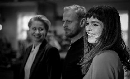 Trine Dyrholm, Carsten Bjørnlund og Marie Bach Hansen. DR Arvingerne 2014.