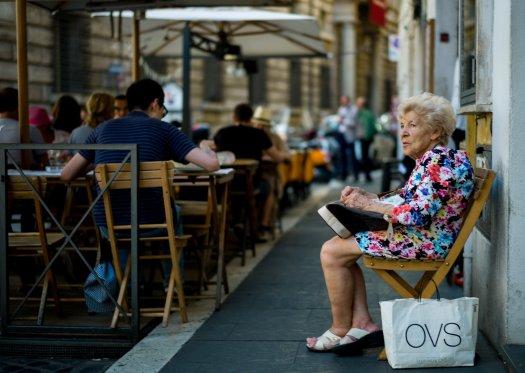 Waiting, Rome. (C) Morten Albek 2015 photo@mortenalbek.com www.mortenalbek.com