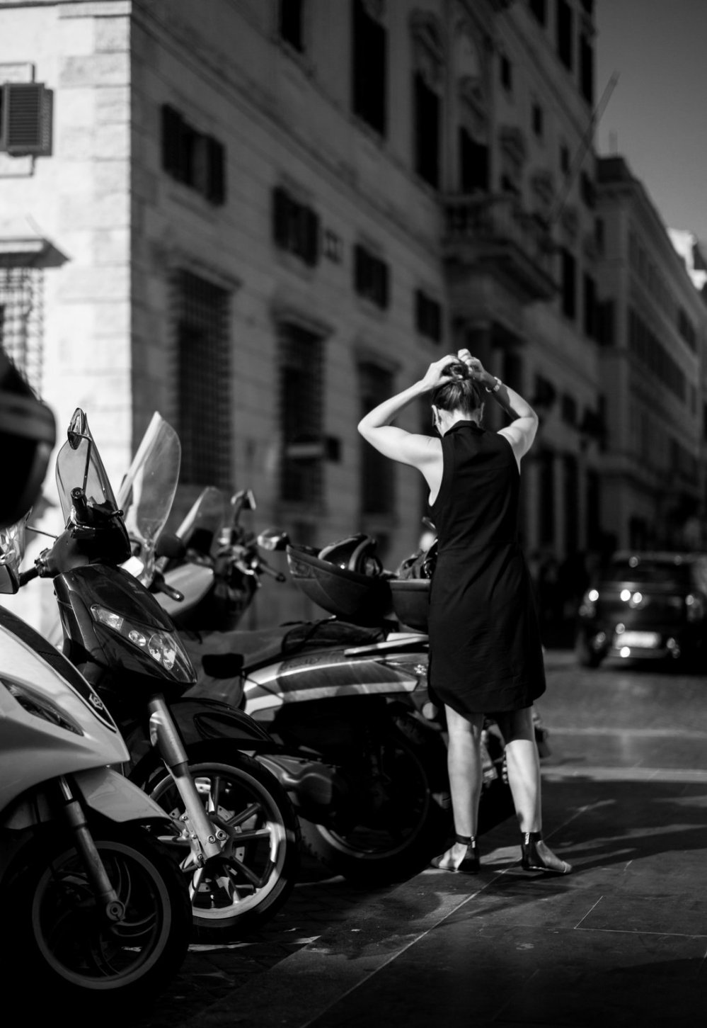 Woman in Rome. (C) Morten Albek - 2015. photo@mortenalbek.com www.mortenalbek.com